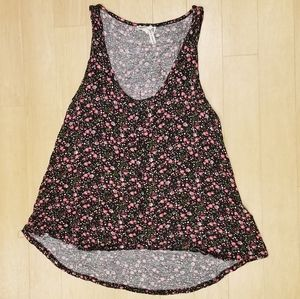 Floral tank top with buttons.